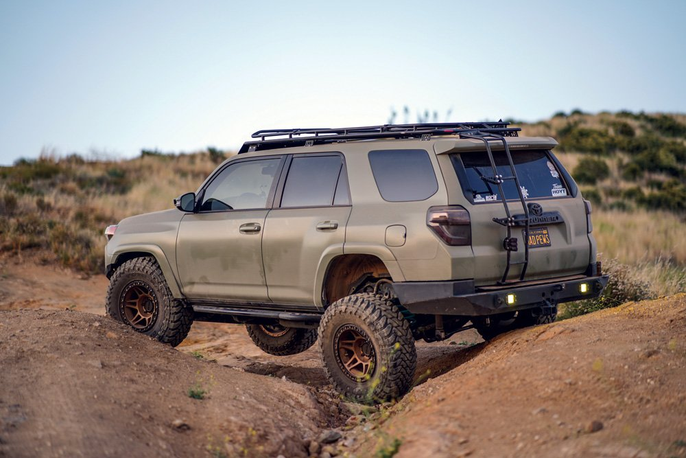 This 4Runner owner modified the suspension to an Icon Stage 6 system